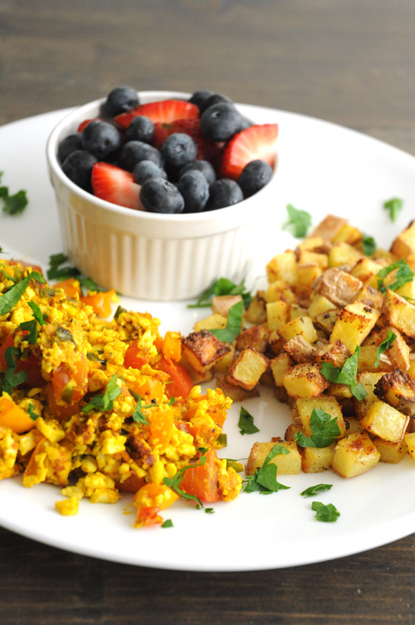 Vegan-Scramble-and-Potatoes