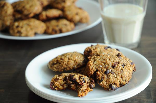 Vegan-Trail-Mix-Cookies