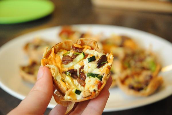 vegan-baked-mini-pizzas
