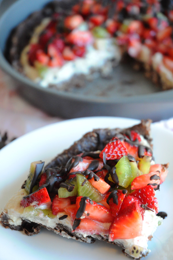 vegan-homemade-dessert-pizza