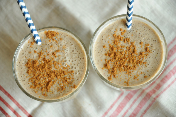 Easy-Vegan-Apple-Pie-Smoothie
