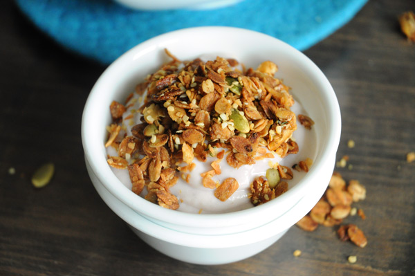 Vegan-Coconut-Hemp-Granola